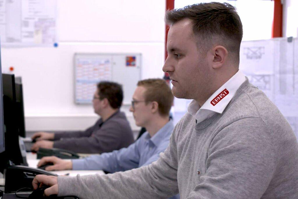 Entwicklung - Service & Beratung - ERNST Prüfmaschinen