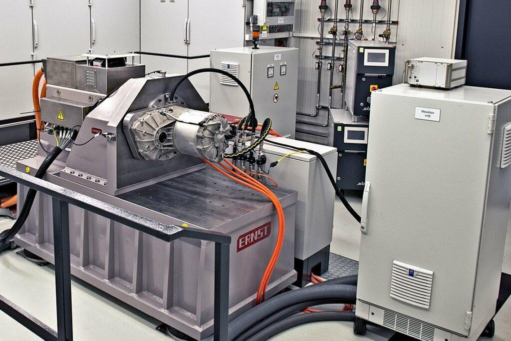 E-Motoren Prüfstand in Prüfzelle