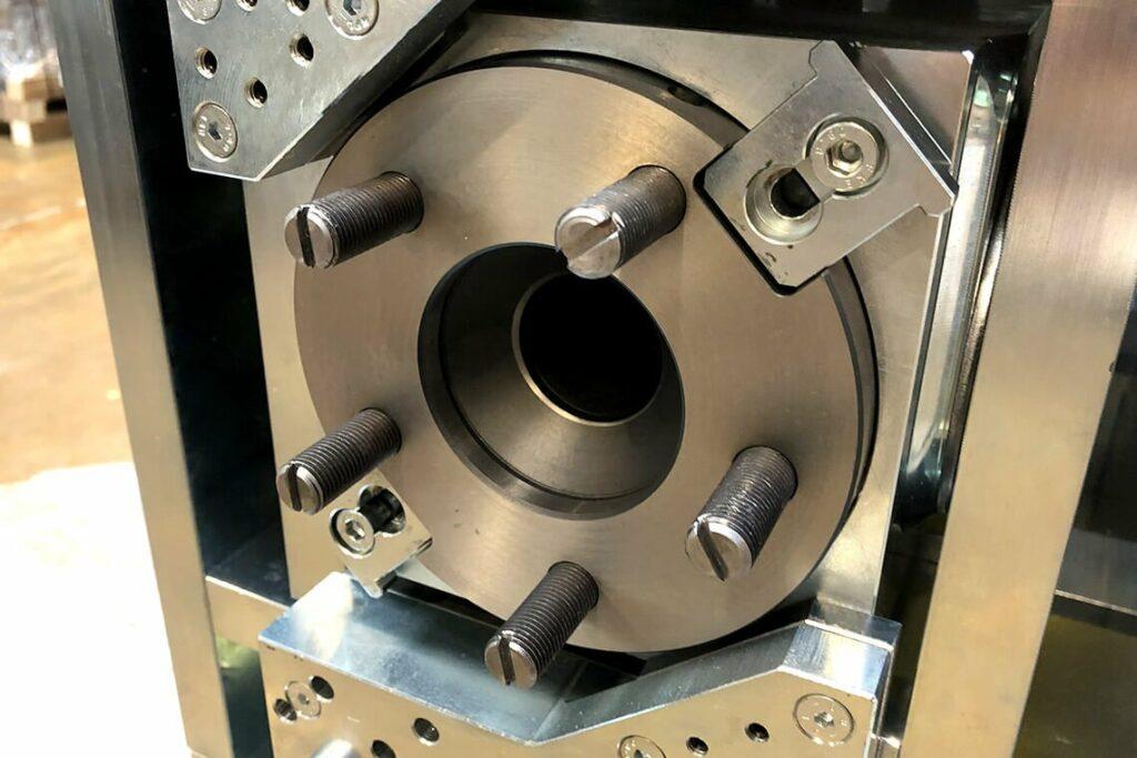 Shaft locking at the Cardan casing